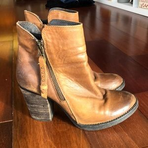 STEVE MADDEN heeled brown booties Sz 6.5